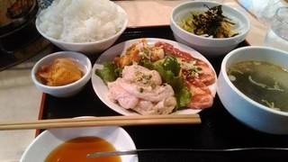 炭火焼肉 半蔵門 - ミックス焼肉定食