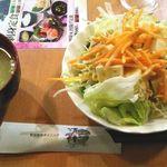 酒蔵 季 - サラダとコーンスープ