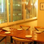 FISHMANS SAPPORO - ゆったり座れるテーブル席