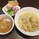 麺屋りゅう - チーズつけめん 特盛 + 味玉(別料金)
