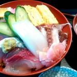 63778680 - 海鮮丼1500円(;´д`)
