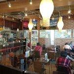 北海道チューボー - 北海道チューボー 八重洲店 店内 この後ろにもテーブル・カウンター席があります
