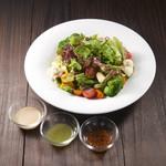 ごろごろ野菜12品目のサラダ