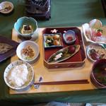 飛騨古川 料亭旅館 八ツ三館 - 朝食でーす