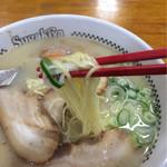 スガキヤ - プレミアムラーメンの麺は通常と変わらないです。