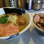 63782581 - 麺屋 扇 味玉塩ラーメン+日替わりご飯