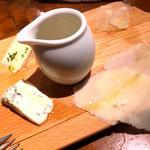 Vittorio Pomodoro Tsukiji - チーズの盛り合わせ