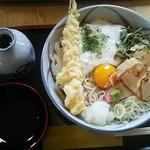そば処 清水屋 - 「特製けんちゃん蕎麦」1000円。