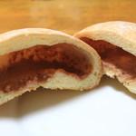 パンのトラ - いちごのメロンパンの断面