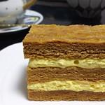 ロトス 洋菓子店 - ミルフィーユ