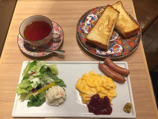 CAFE&BAKERY MIYABI 神保町店 - コンチネンタルモーニング650円