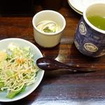浜新 - ランチのセットのサラダと茶碗蒸し