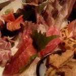 魚金 - 魚金 4号店@新橋 刺身盛り合わせのアップ