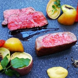 牛ロース肉のロティ赤ワインソース