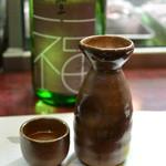 炭焼 うなぎと旬菜 藤城 - 豊橋の酒蔵「福井酒造」さんの純米酒(福)をぬる燗で頂きます