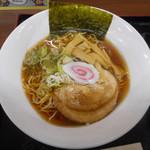 蓮田サービスエリア 下り線  - 醤油ラーメン 690円