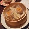 ぎんの月 - 料理写真:「点心 2種類4個いり (800円)」、「蟹肉シュウマイ」と「フカヒレの蒸餃子」