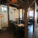 アジア多国籍料理 マルコポーロ - 2階席もあります。