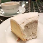 カフェ ド ロペ - シラセのサンドケーキ 出てくるまで15分