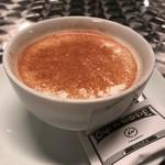 カフェ ド ロペ - グルジア風シナモンミルクティ