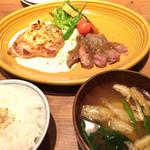 kawara CAFE&DINING - アンガス牛とチキンの…ライスセット