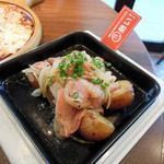 Ginzaraion - ポテトとピリ辛ソーセージのガーリック炒め788円