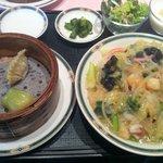 chuugokusaikanshien - ハーフランチ:飲茶三種+皿うどん