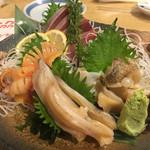 鮨 だり半 - 貝の3種盛り 寒ぶり
