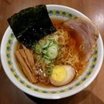 万豚記 - 中華麺・醤油(840円)
