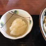 丸亀製麺 西宮の沢店 - 大根おろしは、うどん札で無料。