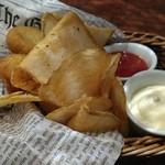 府中Dining&Bar レストハウス - フィッシュ&チップスはほくほくです。