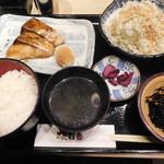 板前バル - 寒ブリ照焼き定食¥500-