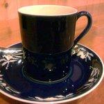 珈琲まめ坊 - 妹の選んだ「まめ坊」ソーサーの柄がカップに写りこむところが素敵ですね☆