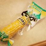 函館山展望台 山頂ショップ - めっちゃ甘みがあっておいしい、「どでかコーン (432円)」