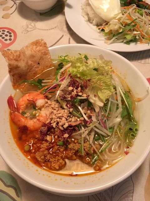 サイゴン・レストラン - さっぱりとした味です。レモンを絞ると爽やかさが増しました('17/03/12)