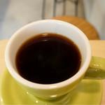 63828989 - コーヒー(全て450円)からナチュラル製法のニカラグア。エアロプレス式で抽出。