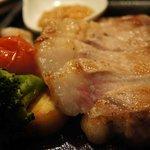 肉酒場 VOLTA - ハンガリー国宝豚 マンガリッツァ鉄板焼き