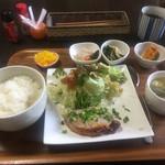 Saka - この日の定食、小鉢三品付け
