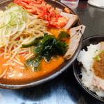 ひむろ - キムチチャーシュー麺&炙りチャーシュー丼