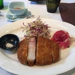 キッチン イトウ スタイル - 秀麗豚ロースの厚切り豚カツ ラージ200g(2300円)