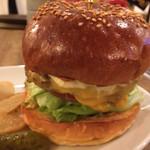 グロウ - 料理写真:チーズバーガー アップ‼️