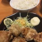 にく次郎 - 唐揚げ大(390円)とライス大(230円)
