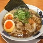 にく次郎 - 熟成醤油肉そば 味玉入り(780円)
