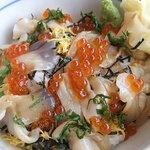 和食レストランとんでん - 活ほっき丼のアップ