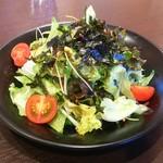 味園焼肉店 - 特製野菜サラダ