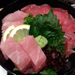 べいさいど中徳 - 料理写真:マグロづくし丼♪