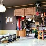 沖縄そば専門店 和 - 広々として、お座敷もあるので、貸し切りや、小さなお子様連れのお客様も安心。