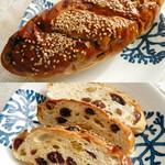 ロヂウラベーカリー - 三種のレーズンのパン(だったと思います)。今まで食べたぶどうパンの中で1番おいしいです!