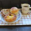 ブーランジェリー アボンリー - 料理写真:焼きカレーパン タコスチーズパイ クリームパン&コーヒー
