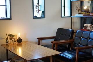 アミジョク - テーブル席
